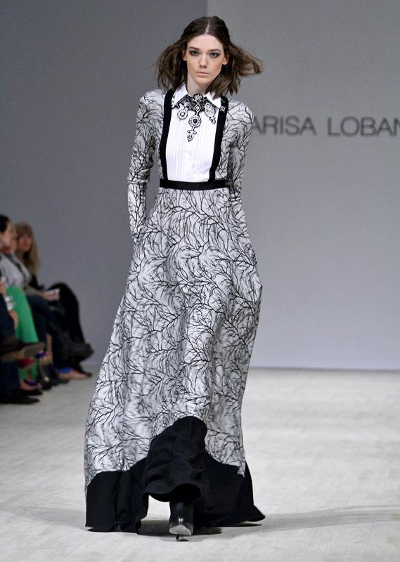 Показ Larisa LOBANOVA