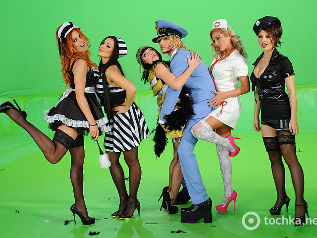 фото голых девушек группы поющие трусы