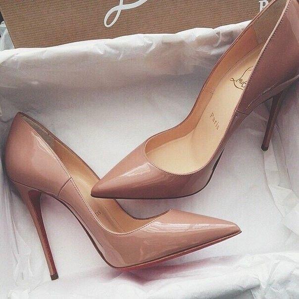 Тілесні туфлі-човники