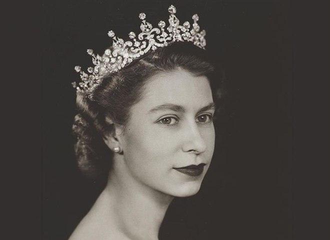 15 архивных фото Елизаветы II, которые ты редко где увидишь