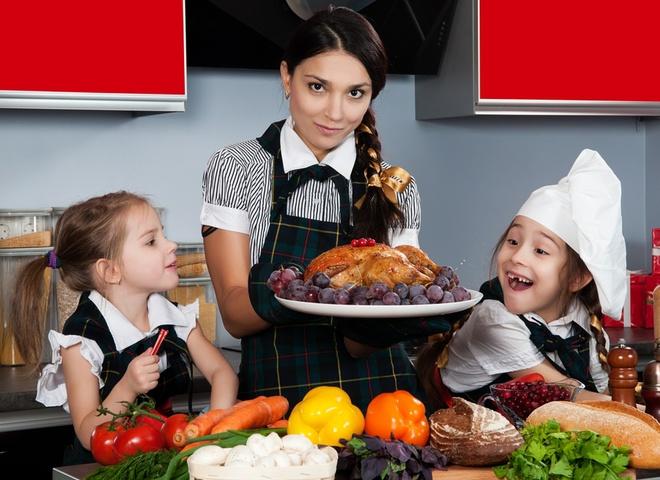 Ешь больше овощей и фруктов за новогодним столом