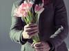 Мужчина. Цветы