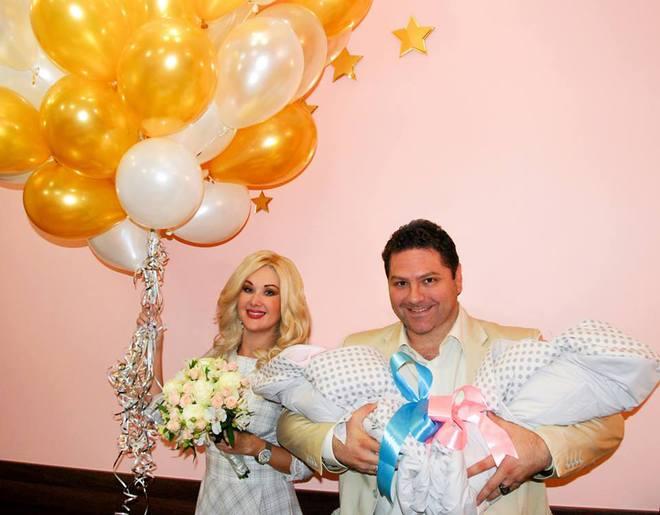 Екатерина Бужинская рассекретила имена новорожденной двойни