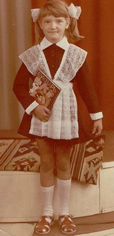 Звезды в школе: 10 фото из личного архива