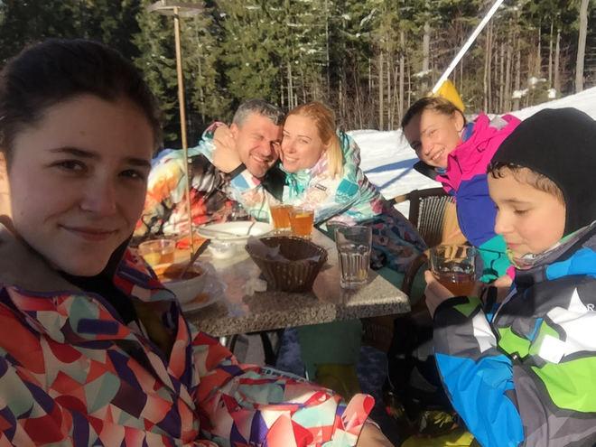 Тоня Матвієнко навчила літати Арсена Мірзояна в романтичній подорожі