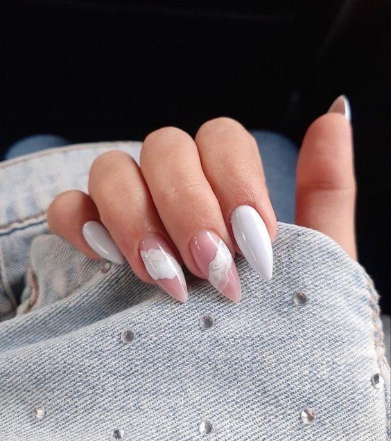 Білий манікюр 2021 — модні ідеї дизайну