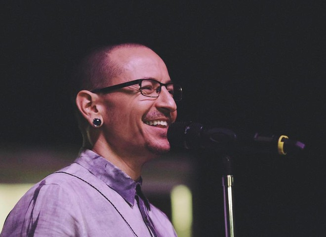 Солист группы Linkin Park Честер Беннингтон покончил с собой (фото)
