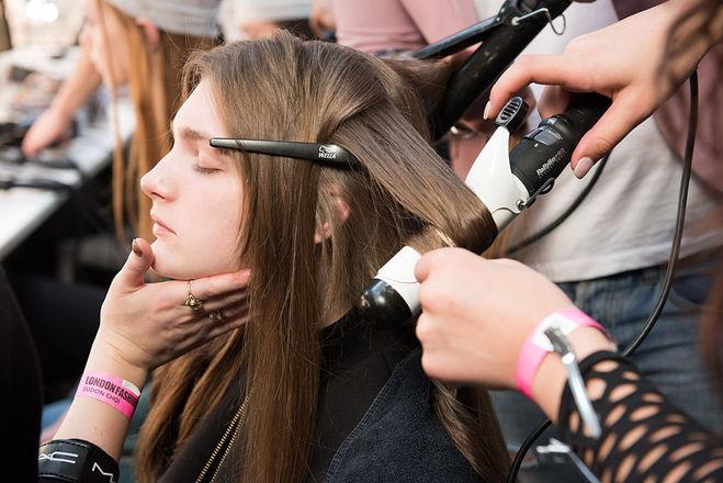 Как быстро привести волосы в порядок
