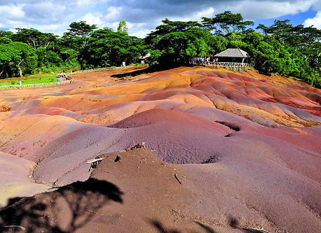 Кольорова земля Шарамель в Африці