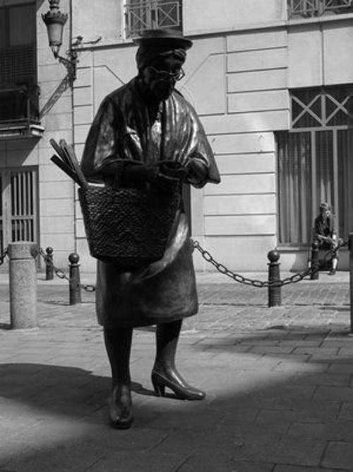 Необычные скульптуры и статуи