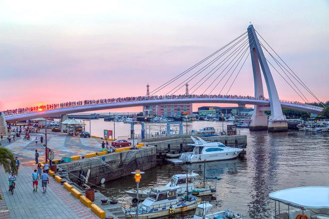День Св. Валентина: ТОП-8 найкрасивіших Мостів закоханих у світі