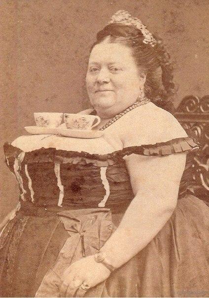 Оригинальный поднос для чашек