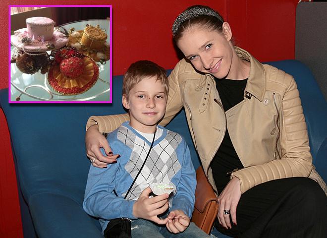 Катя Осадча з сином