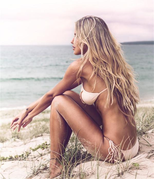Зачіски на літо: як зробити модні пляжні локони Beach Waves