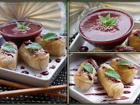 Банановые роллы с ягодным соусом