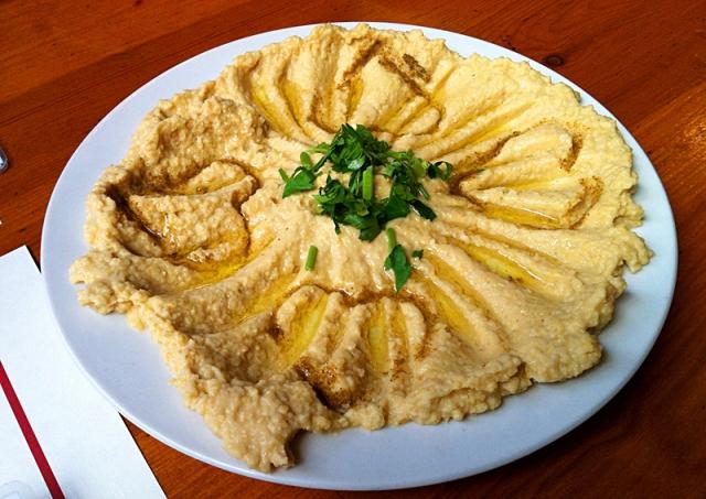 Які сувеніри привезти з Ізраїлю: хумус