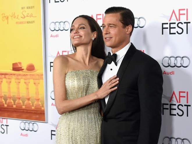 ЗМІ: Анджеліна Джолі і Бред Пітт передумали розлучатися