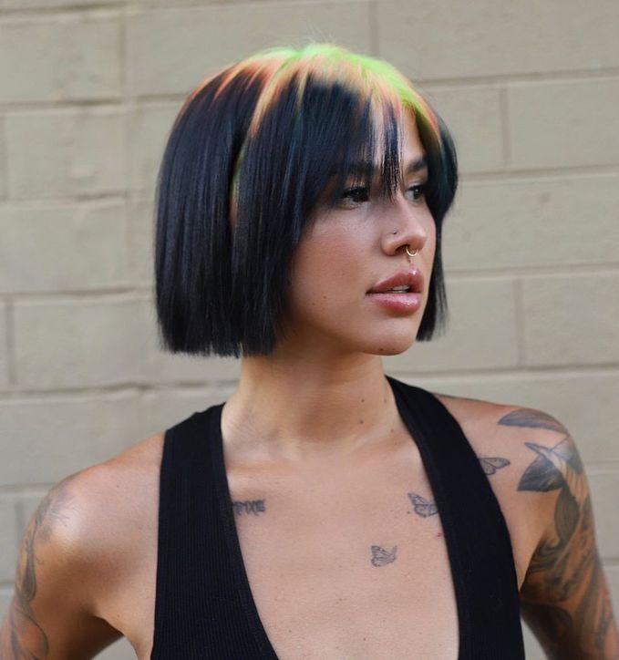 Яскраві кольори волосся — модне фарбування 2021