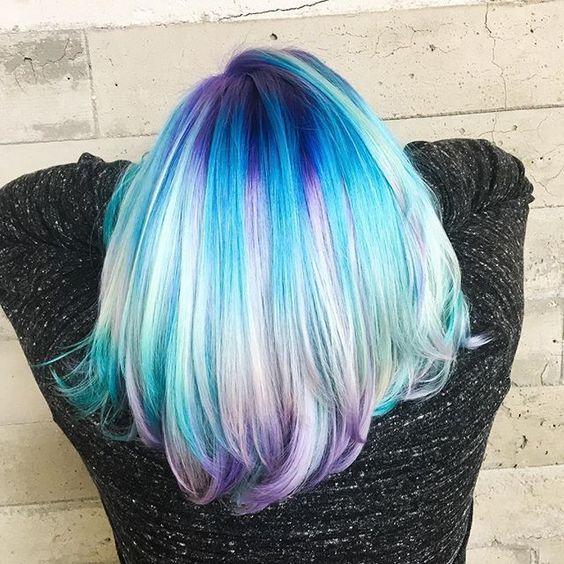 Hair тренд: прокрашенные корни