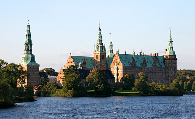 Замки на воді: Замок Фредеріксборг, Данія