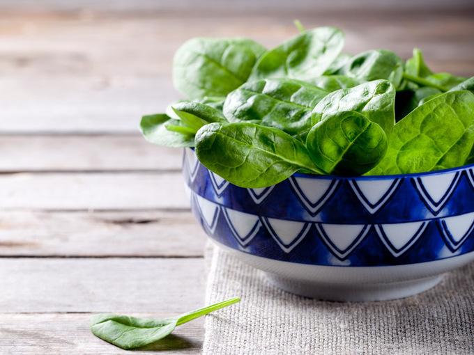 Рецепты салатов из зелени: убедись, что это вкусно