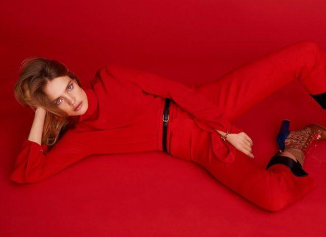 Яркий минимализм: Наталья Водянова снялась для Harper's Bazaar