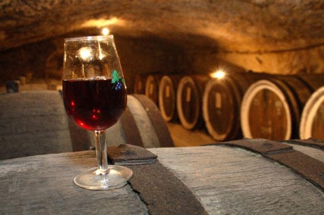 Новый год 2013 в Карпатах: винные подвалы в поселке Среднее
