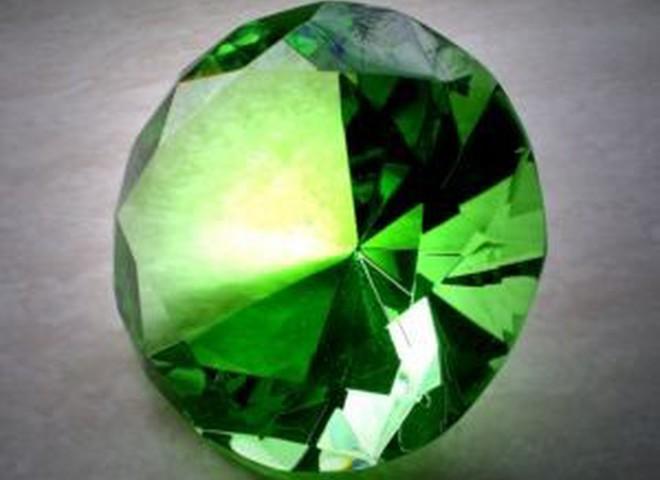 В Якутии нашли уникальный зеленый алмаз