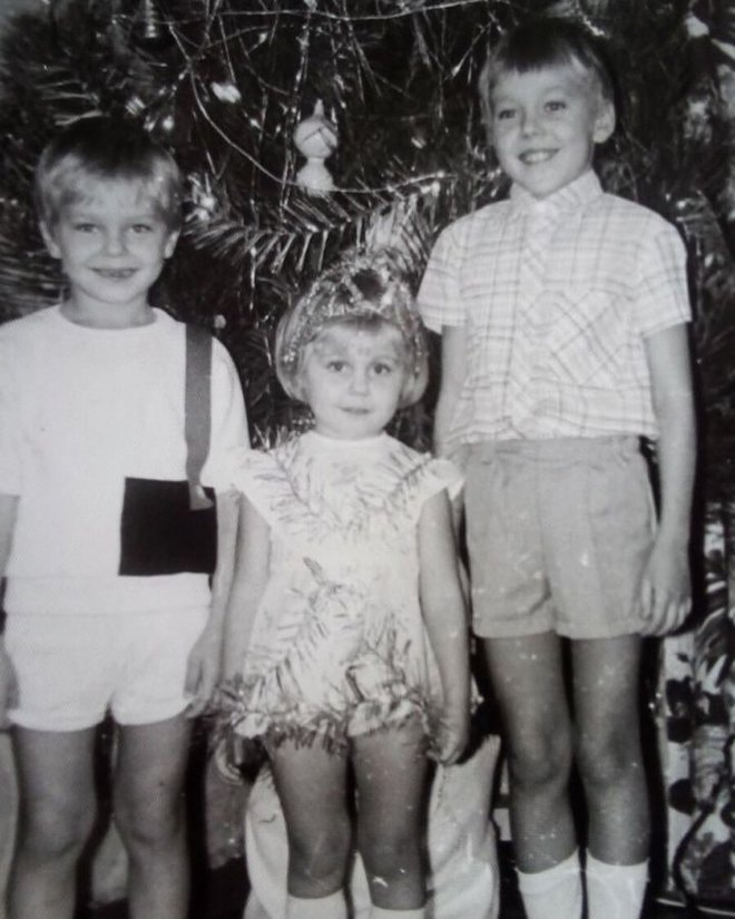 Alyosha зі старшими братами