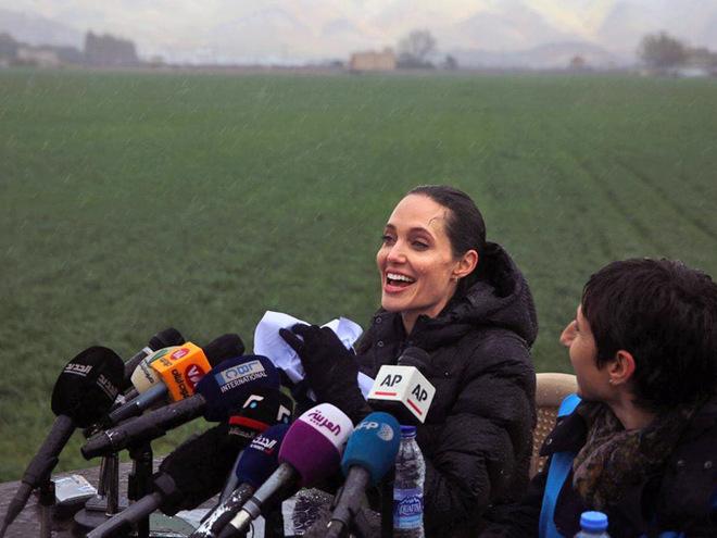 Анджеліна Джолі в таборі для біженців у Лівані
