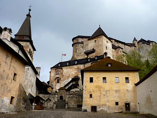 Найстрашніші замки в світі: Оравскій замок