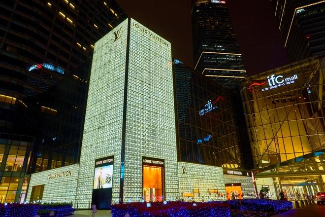 Інший Всесвіт очима популярного фотографа Андрія Саримсакова. Шанхай