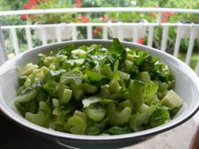 Рецепт салата с зеленым яблоком