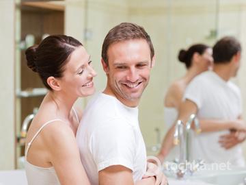 пара, ванна кімната, спільний побут, стосунки, ранок