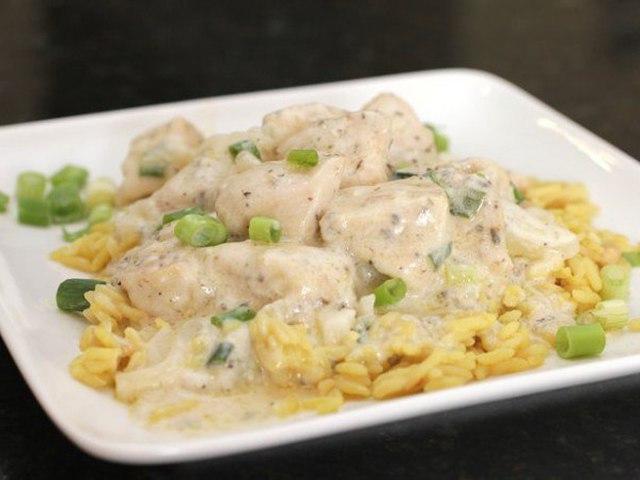 Рецепт куриного филе в сметане на сковороде