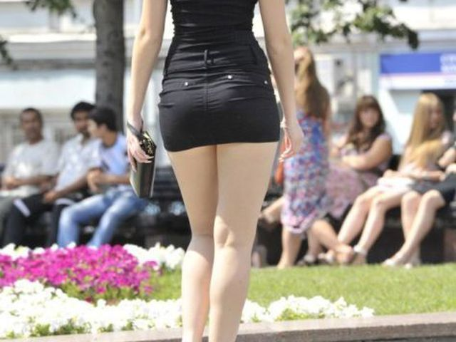 картинки девушки в коротких юбках