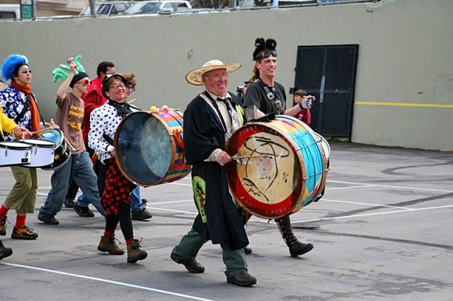 1 квітня День сміху: фестиваль дурнів у Каліфорнії