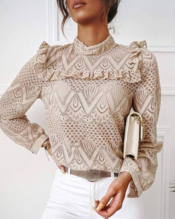 Приталенные блузы — антитренд 2021