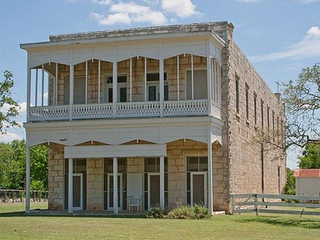 ТОП гостиниц с привидениями: The Morris Ranch Farmhouse, Greenough, Mont.