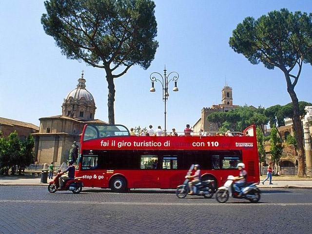Цікаві місця Риму: Екскурсійний автобус 110 open