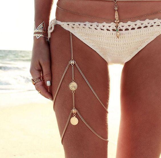 Стильные пляжные украшения на ногу