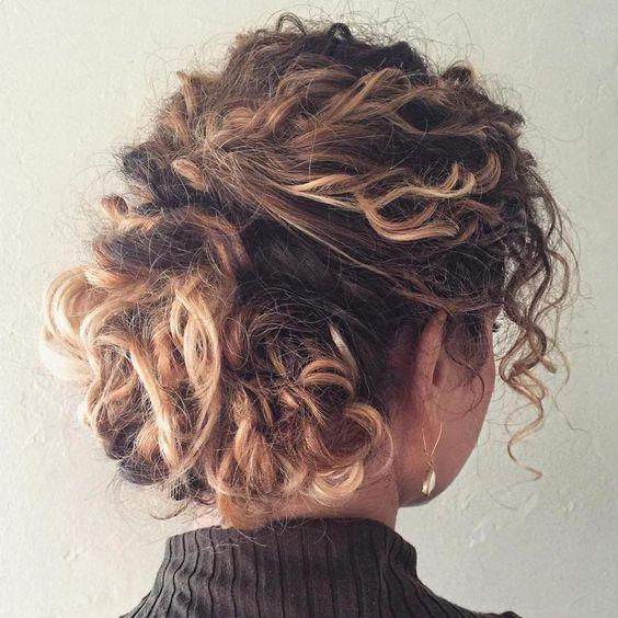 Укладка для кучерявого волосся