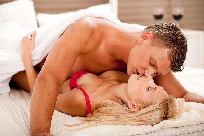 Секс между ложбинкой и между грудями