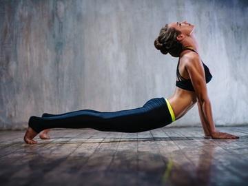 4  базові пози йоги