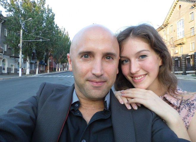 Скандальный британский журналист-сепаратист Грэм Филлипс женится на девушке из Луганска