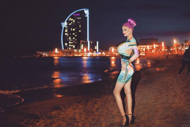 Gabriel Jirackova - живая Барби