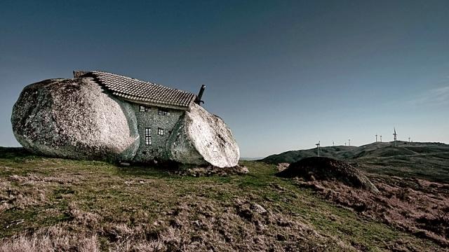 Дом Флинстоунов в Португалии
