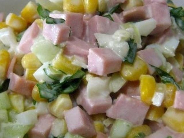 Рецепты салатов с колбасой рецепты