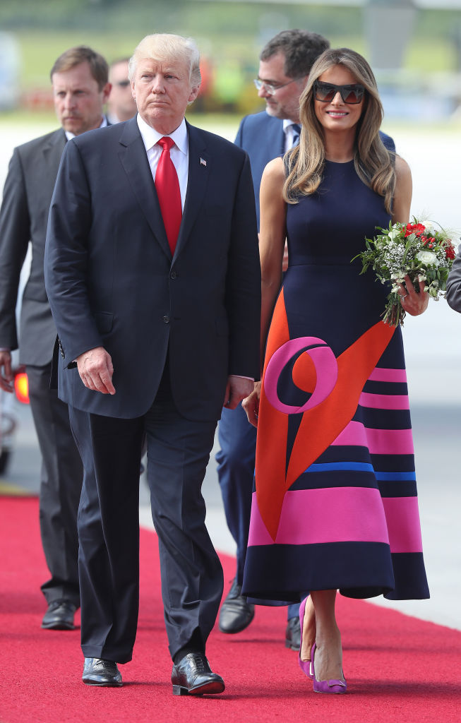 Мелания Трамп в ярком платье от Delpozo