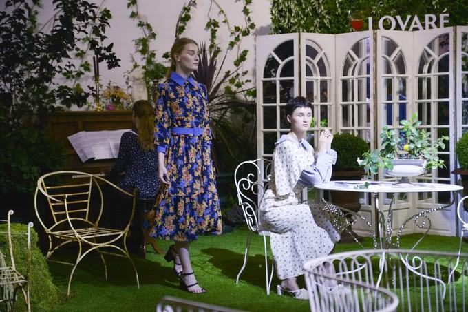 Ukrainian Fashion Week: осінньо-зимова колекція чайних суконь POUSTOVIT і LOVARÉ